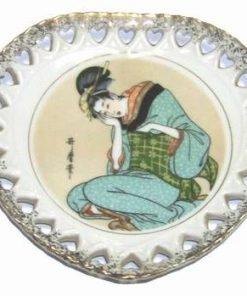 Farfurie decorativa din portelan cu zeitate kwan inn