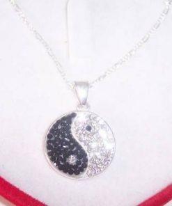 Pandantiv Yin-Yang din argint cu cristale Swarovski !