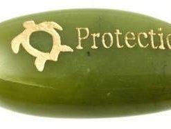 Cristal de jad cu testoasa de protectie aurie