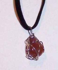 Lingam-ul lui Shiva din cristal pe siret negru din piele