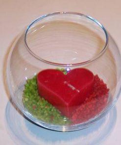Bol din sticla cu lumanare rosie si decoratiuni