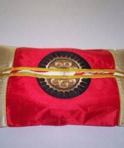 Husa Feng Shui cu simboluri norocoase, rosie cu auriu