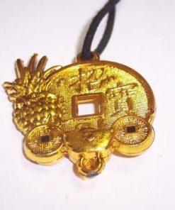 Amuleta Feng Shui cu monede si ananas