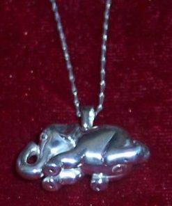 Elefantul Norocos din argint, pe lantisor din argint