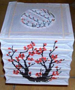 Lampadar  cu flori de prun- remediu de dragoste ROTund