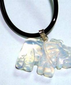Talisman cu elefantul din opal, pe siret