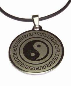 Talisman unisex din inox, cu Yin - Yang pe siret din cauciuc