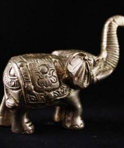 Elefantul fertilitatii din metal