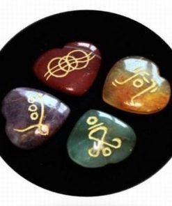 Set de 4 cristale in forma de inima cu simboluri Reiki