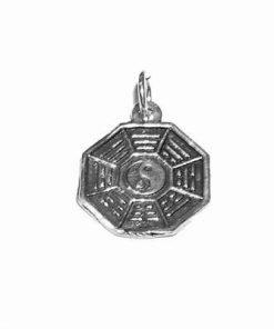 Pandantiv din argint in forma de Ba Gua cu trigrame