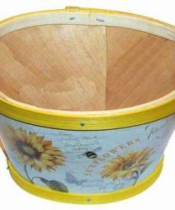 Cos din lemn decorat cu floarea soarelui