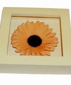 Tablou din lemn cu floarea norocului in dragoste