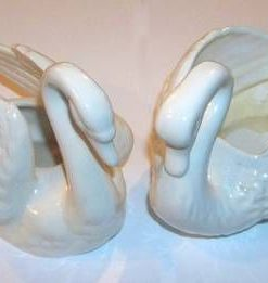 Pereche de lebede din ceramica